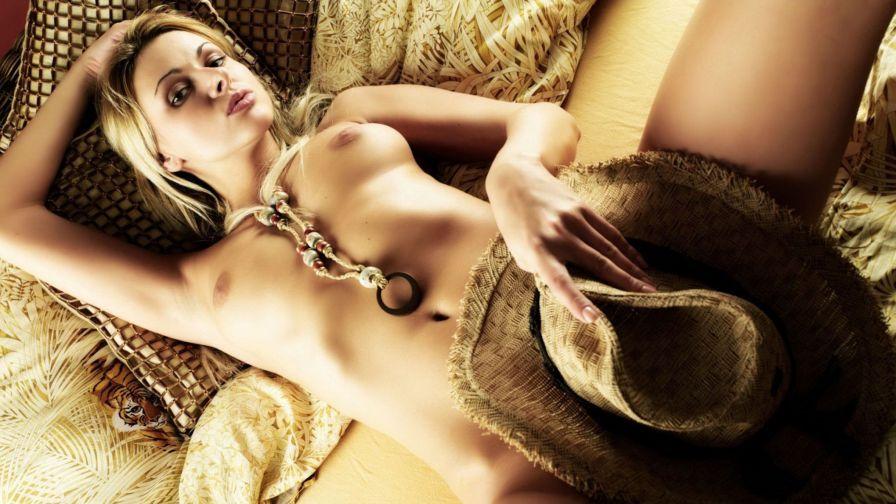 Полни еротика