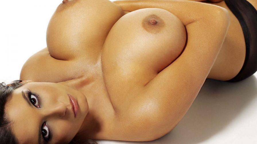 пальчики конусная грудь эротика мамой