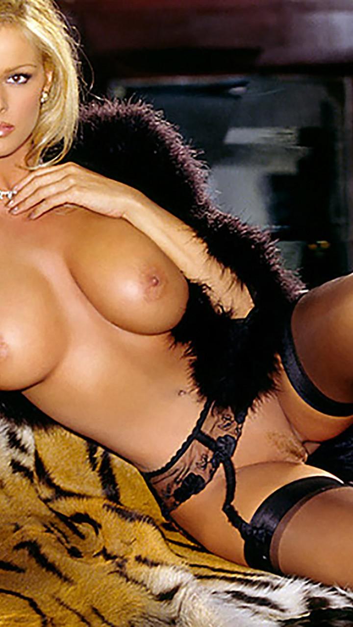 anka-romenski-porno-nagibayutsya