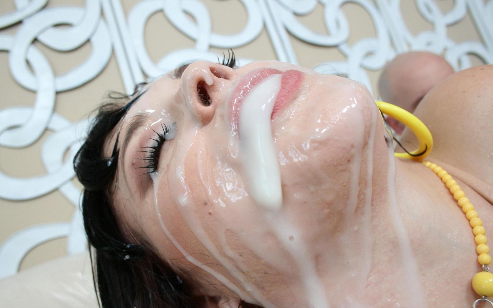 Захлебнулась спермой порно видео