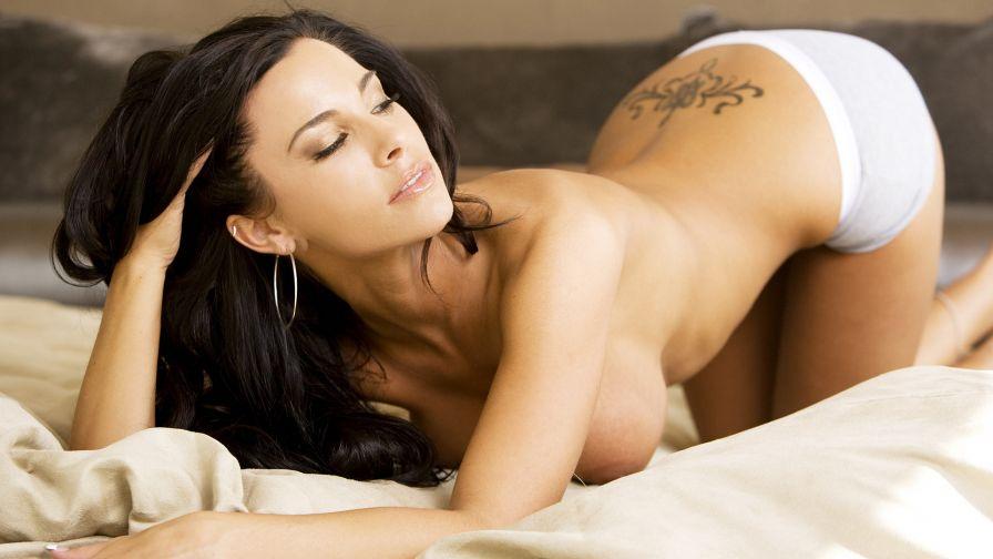 порно фото брюнеток в постели № 326472 без смс