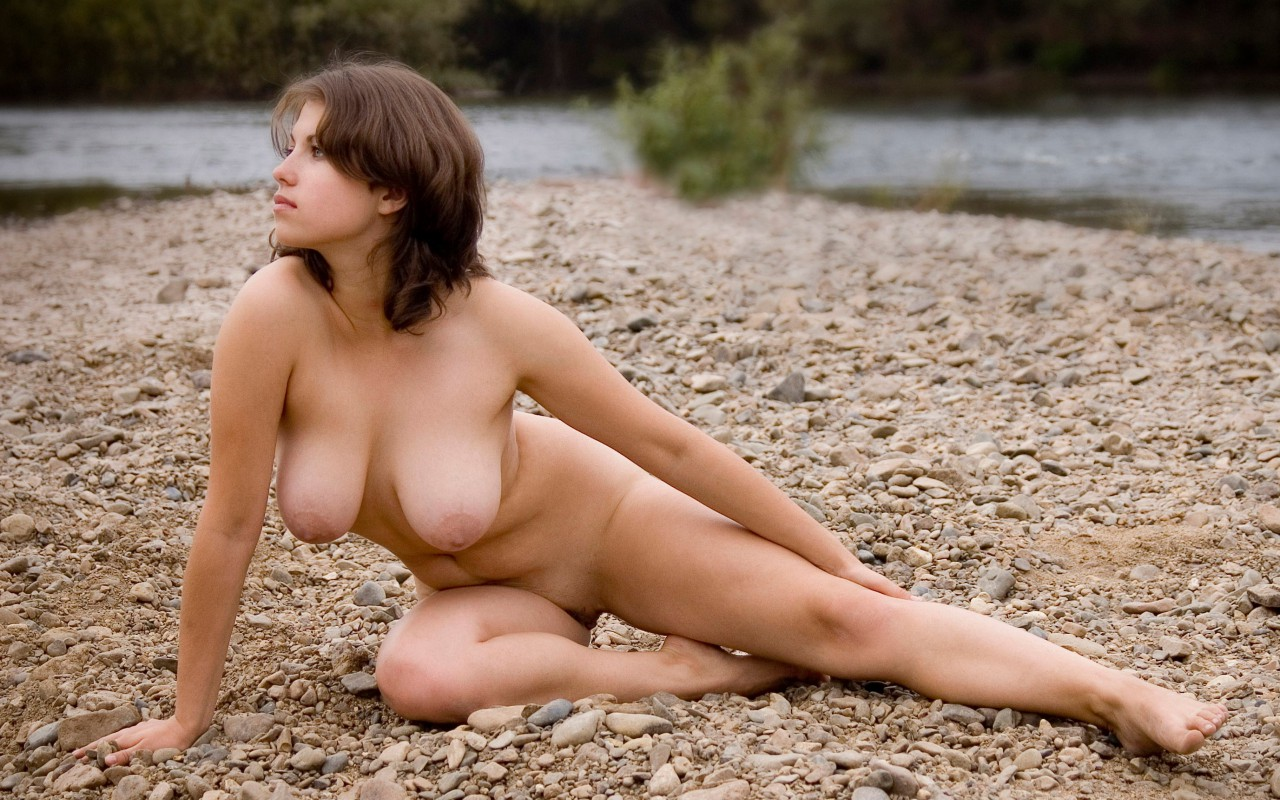 Brunette Sexy Wallpapers 77