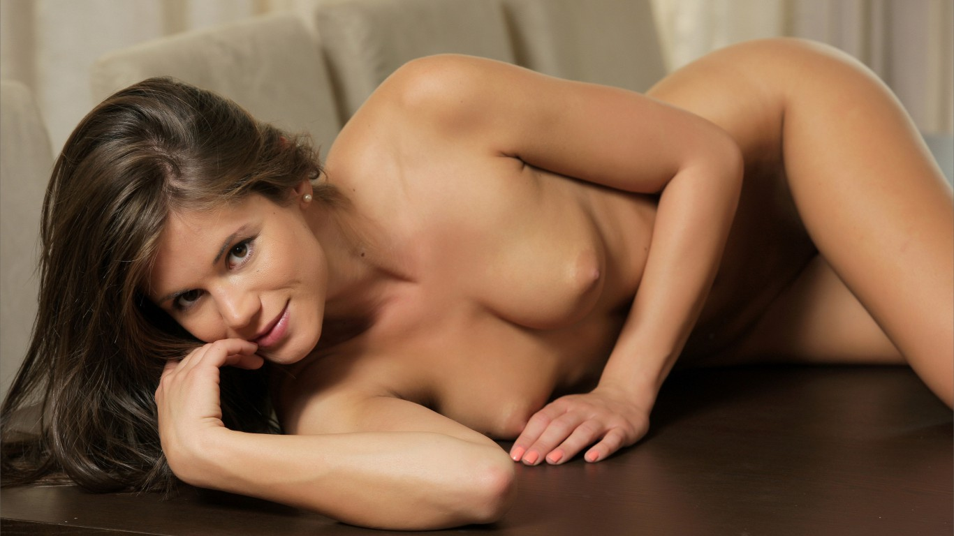 erotika-s-little-caprice
