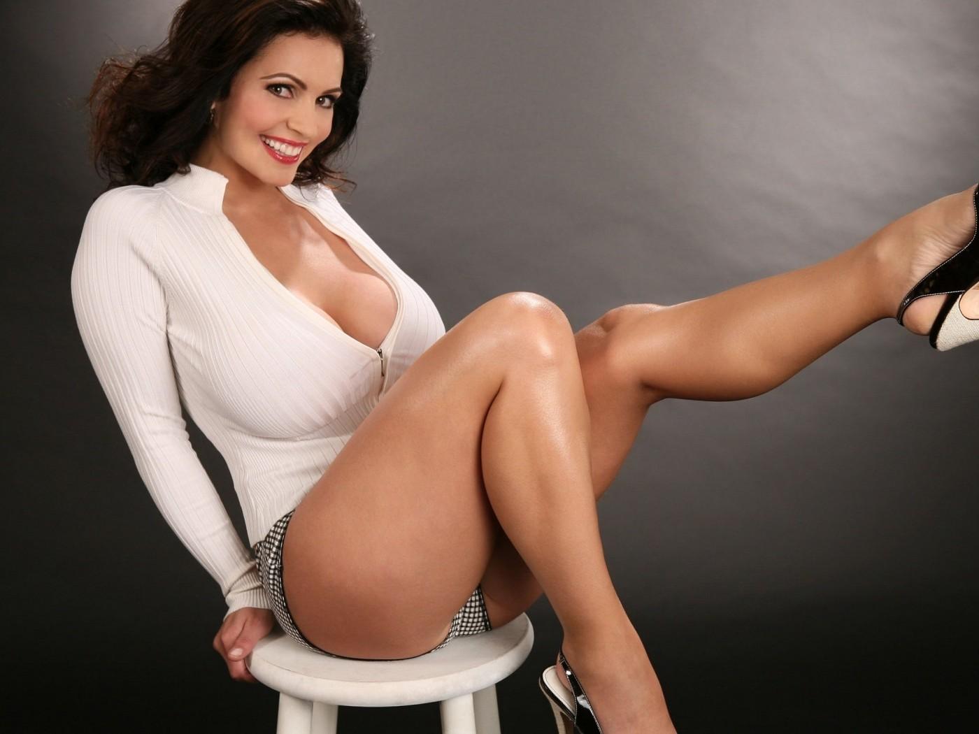 Шикарные зрелые дамы, Порно с красивыми и зрелыми женщинами 8 фотография