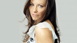 Evangeline Lilly Le4a