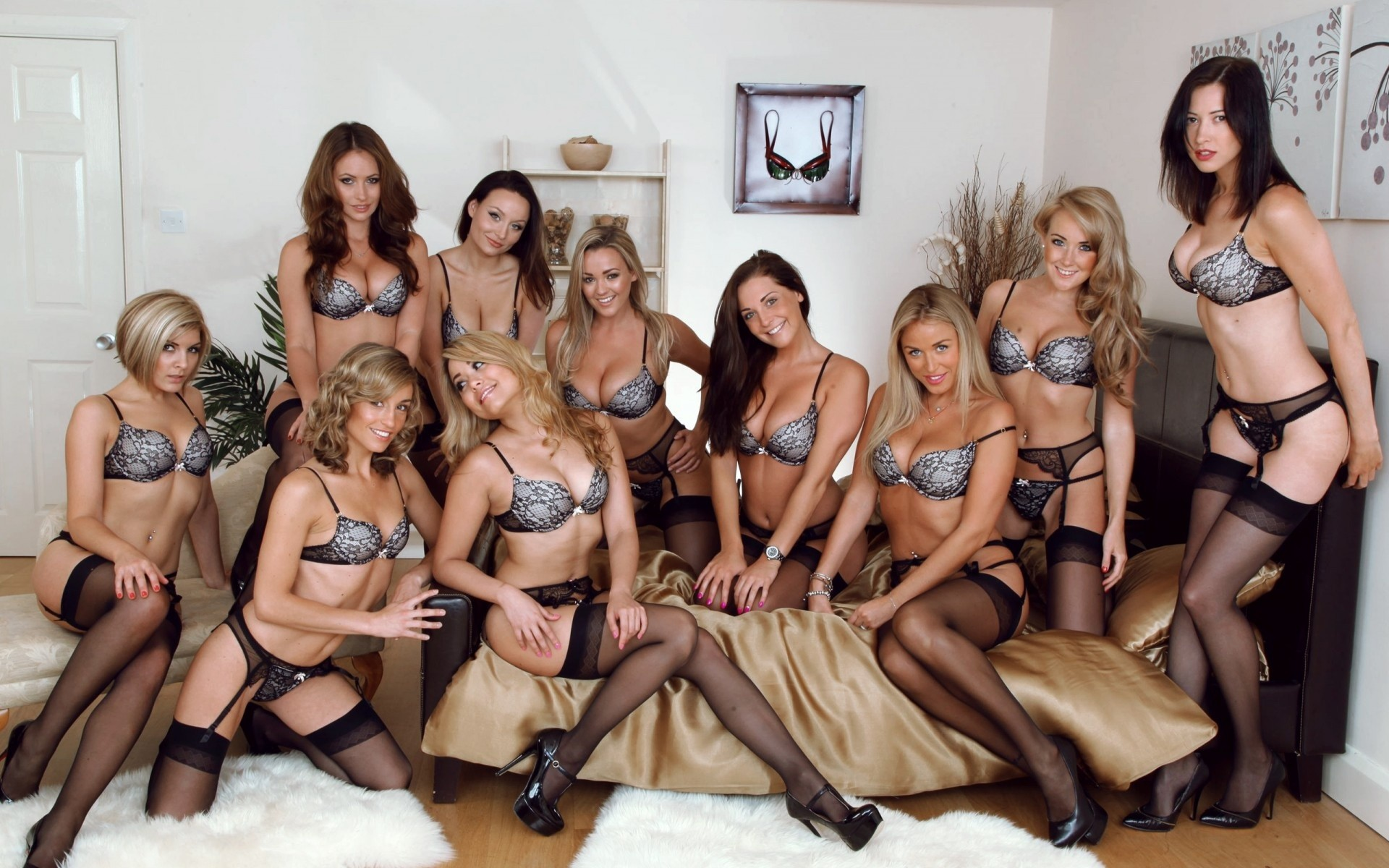 Сэкс смотреть девушка и девушка, Порно с молодыми. Молоденькие девушки и парни 8 фотография