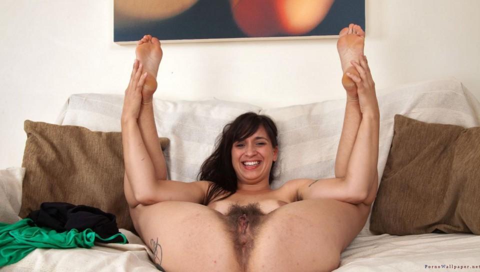 Long hairy pussy - tube.