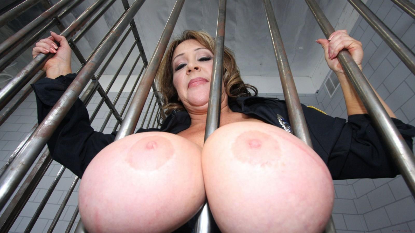 Фото голые гигантские сиськи, Секс фото дам с большой грудью -галерей 12 фотография