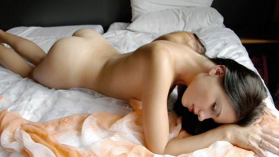 Free video clips young girls nude