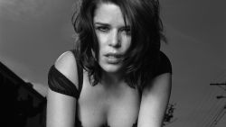 Neve Campbell 21
