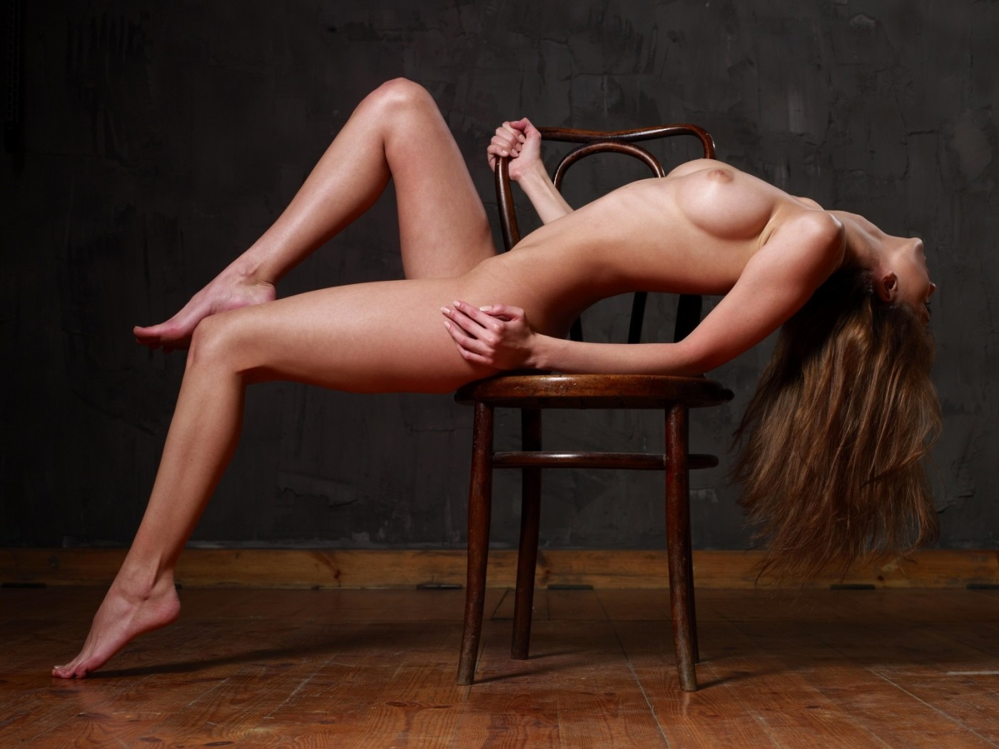 Стриптиз за барным стулом, Стриптиз на стуле - видео Yo-Sex 10 фотография