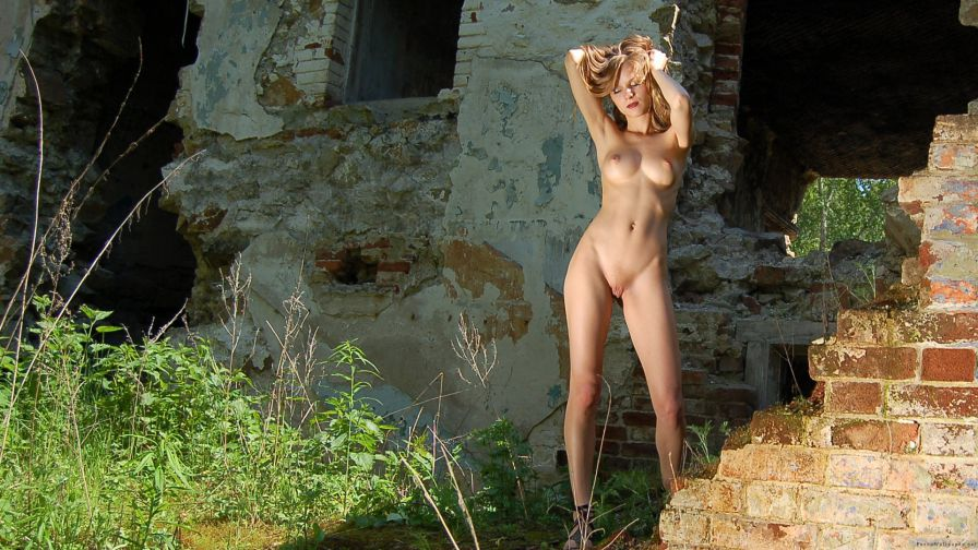 Nude Wallpapers 262 2