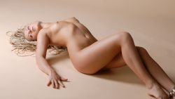 Nude Wallpapers 727