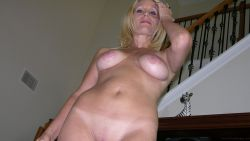 Old Amateur Milf Shows Her 119