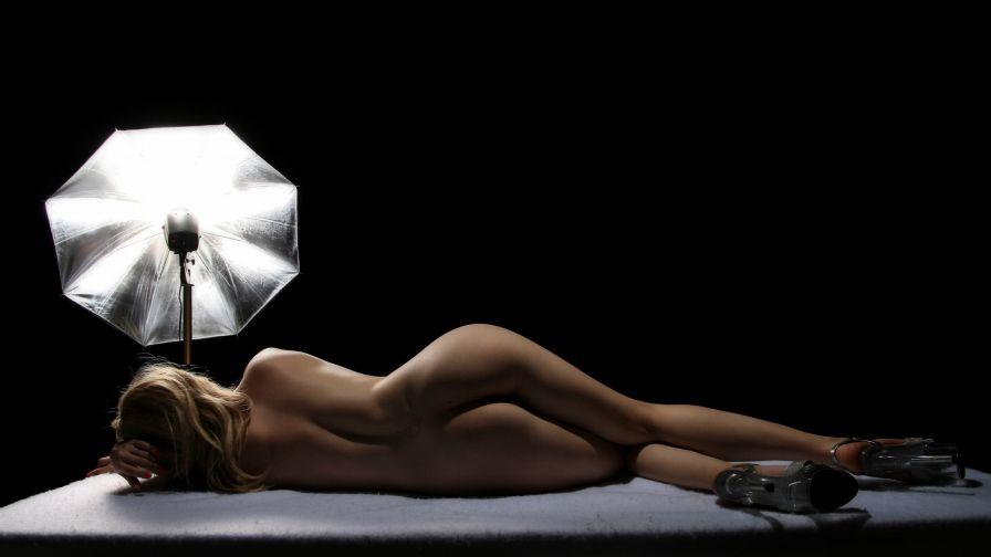 eroticheskie-foto-kak-oboi-na-rabochiy-stol