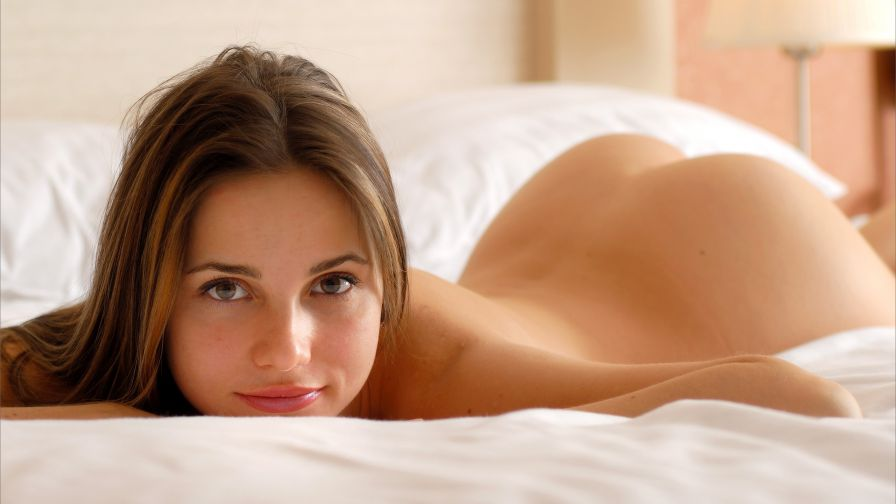 девушка секси скромная видео