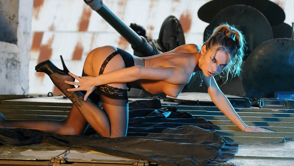 sexy girls in action № 418908