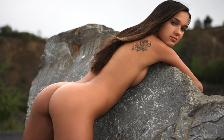 Сексуальные девки голые фотографии