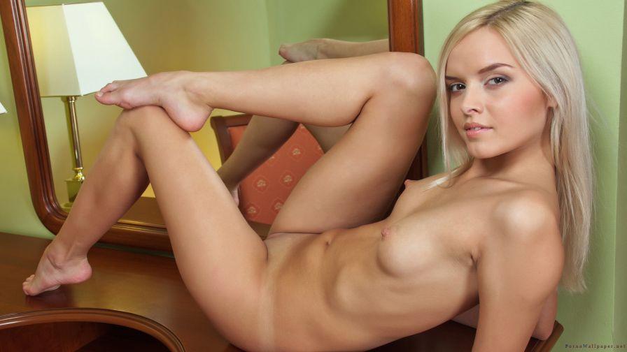 blondinka-legkaya-erotika