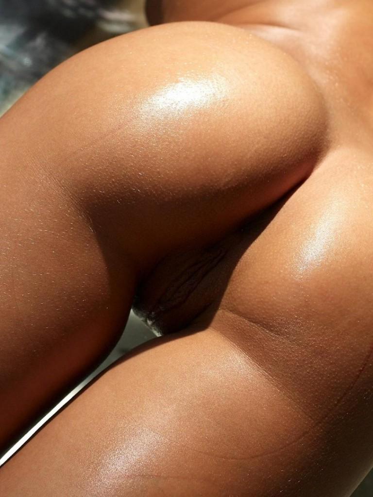 фото галереи голые упругие попки