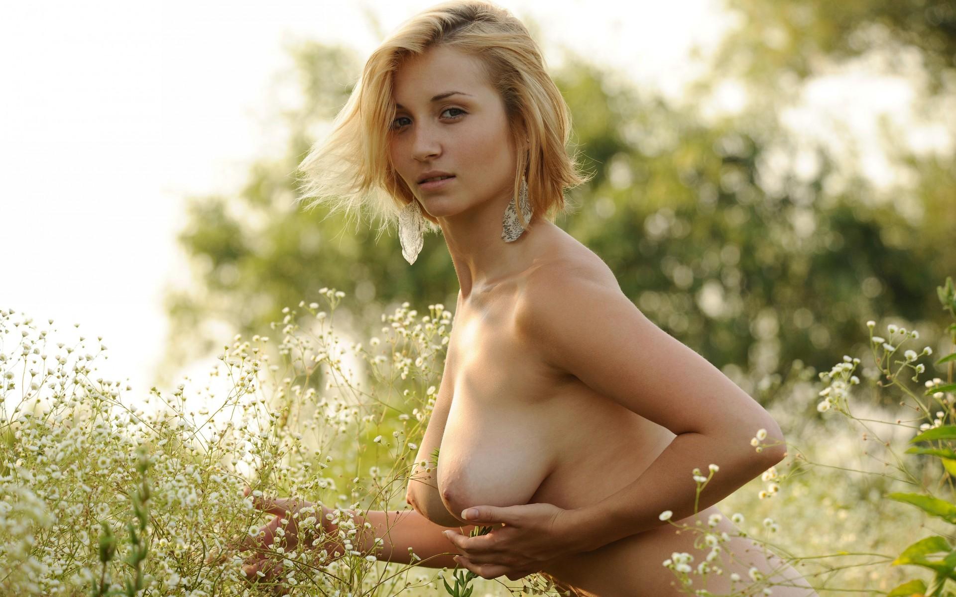 девушки гол ню