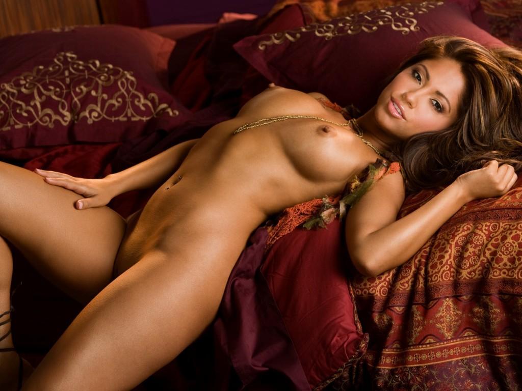 hot surfer girl nudes