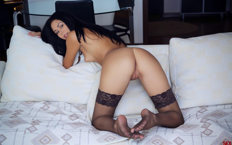 Допускаете порно красивые девушки брюнетки фото