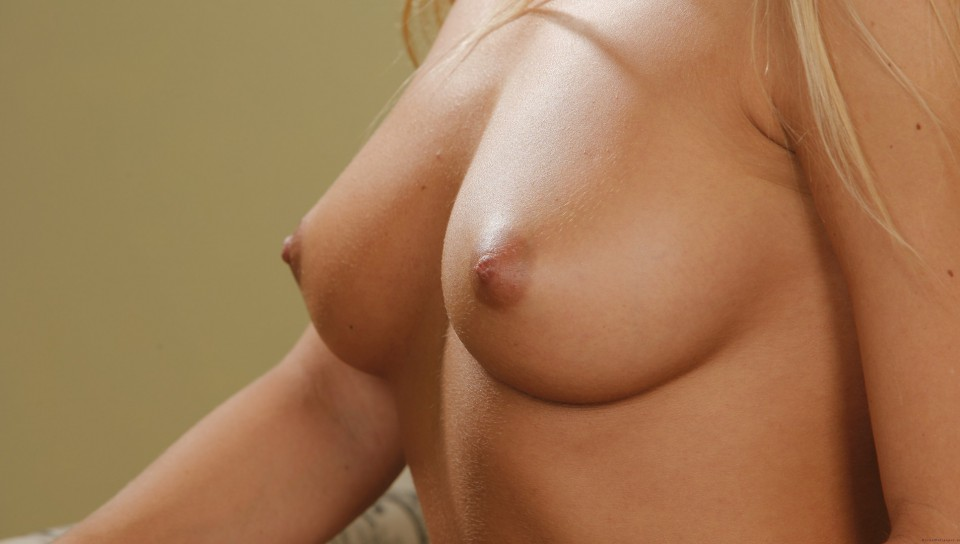 Фото красивая грудь онлайн