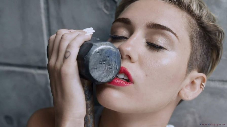 Miley Cyrus Softcore Porn 410