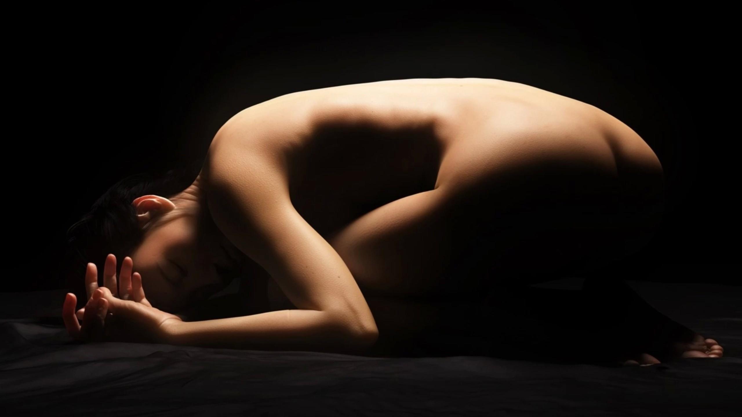 goliy-medosmotr-erotika-onlayn