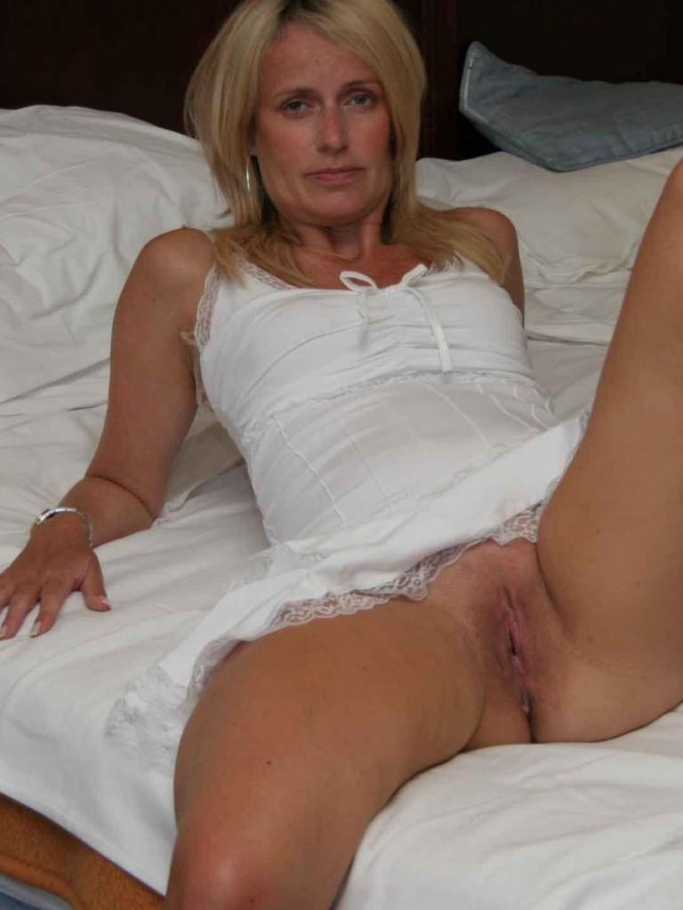wife sucks cock in public